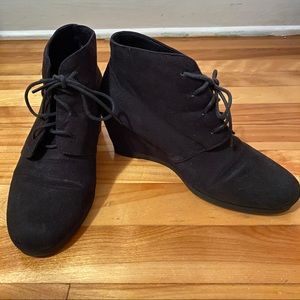 American Eagle Black Suede Wedge Shoes